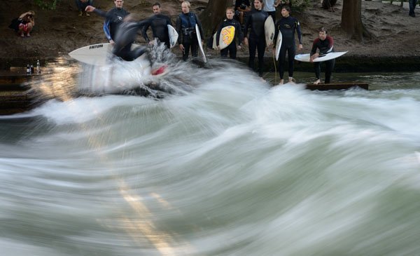 600-Eisbach-European River Surfing Championships-_0000_river-surfing-22