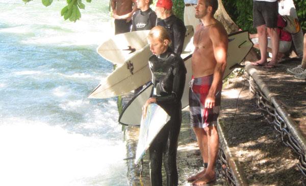 600-Eisbach-European River Surfing Championships-_0003_6 munchen surfing eisbach fluss river englischer