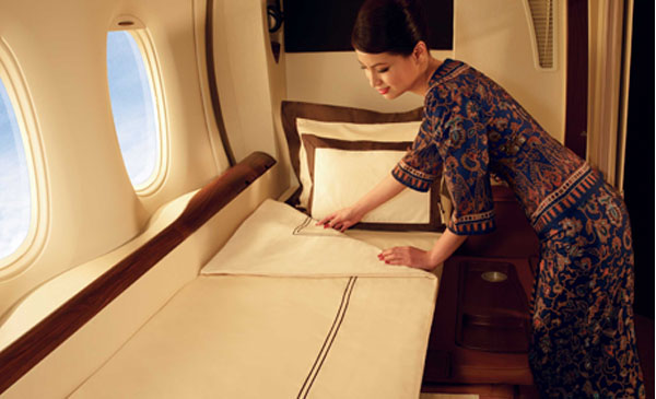 600-corporate-first-class-seating-00