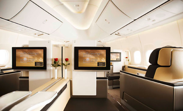 600-corporate-first-class-seating-04