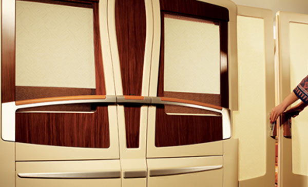 600-corporate-first-class-seating-05