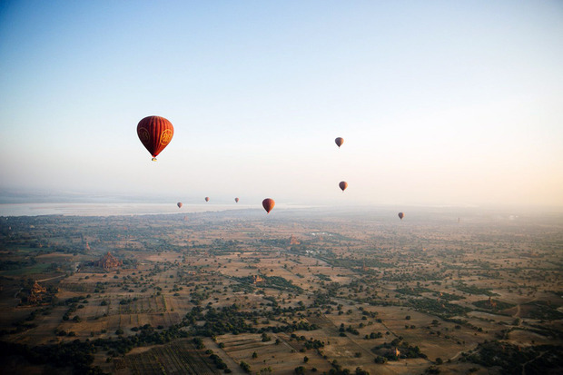 air-ballooning-in-myanmar-temples-corporate-leisure-travel-00
