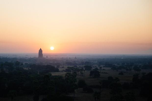 air-ballooning-in-myanmar-temples-corporate-leisure-travel-03