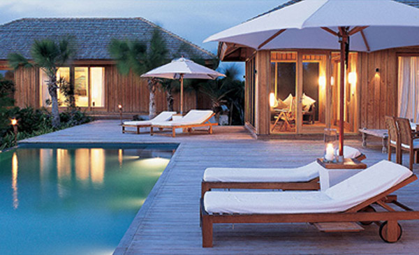 private-island-luxury-service-relaxation-turks-and-caicos_0000_photo-main-2