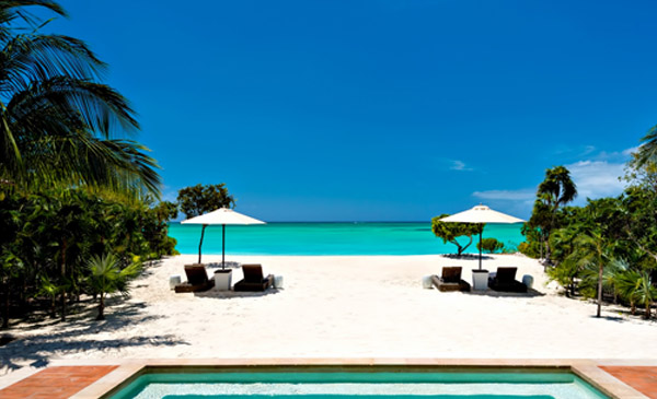 private-island-luxury-service-relaxation-turks-and-caicos_0003_001-48-Million-Olivers-Cove-Luxury-Estate-Parrot-Cay-Turk