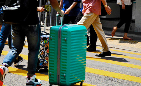 american-airlines-lets-passengers-track-checked-bags-in-real-time
